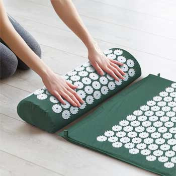 Sivan Health and Fitness Acupressure Mat and Pillow